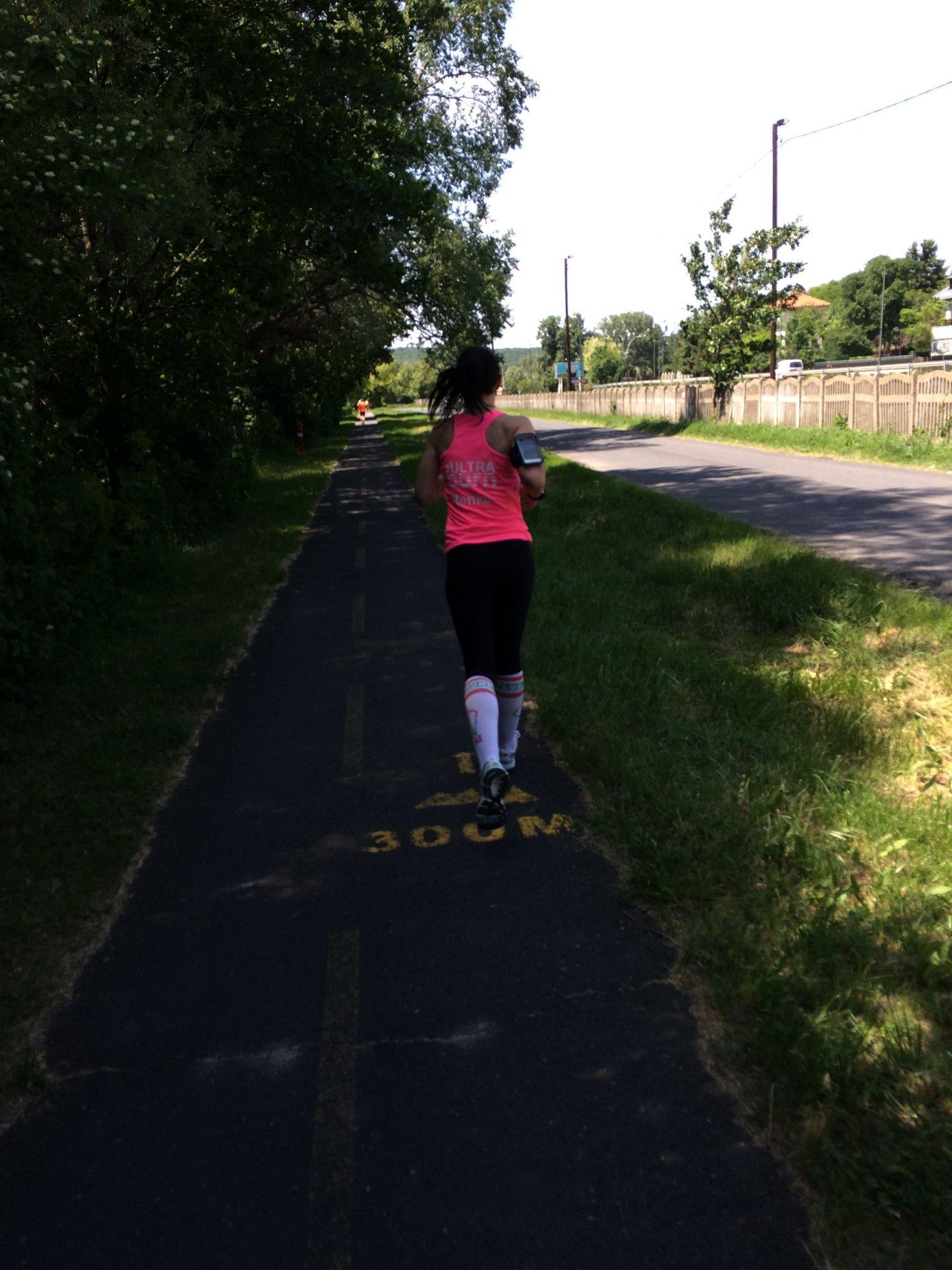 térdfájás futás után